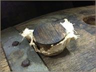 photo de bouchon sur fûts de rhum karukera