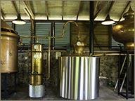 photo d alambic en cuivre production rhum A 1710
