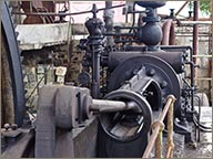 photo de machine a vapeur distillerie hardy