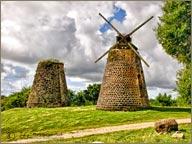 photo de moulin antigue et barbude
